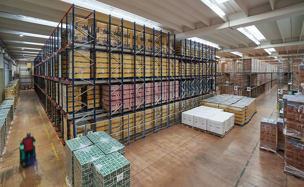 A warehouse of a 3PL company with a capacity for more than 3,000 pallets