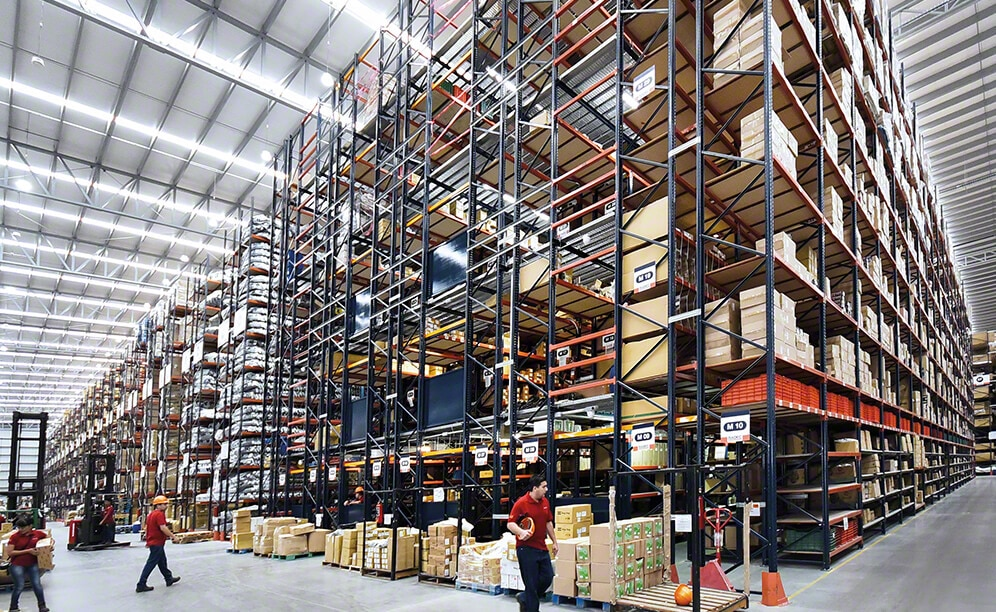 Pallet racks and walkways in a spare parts warehouse