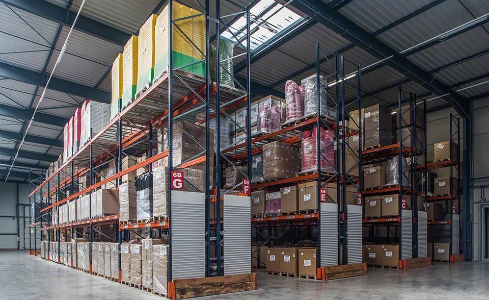 Combination of systems in the ANVI Plasturgie's plastics warehouse
