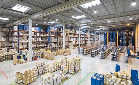 The new Groupe Rand distribution centre, a leading French costume jewellery maker, stands out for it adaptability and productivity in order picking
