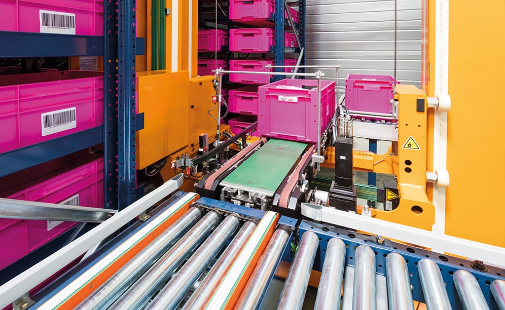 The kitchen and bathroom manufacturer SCD Luisina installs a miniload automated warehouse for boxes in its logistics centre in France to manage more than 1,000 orders a day