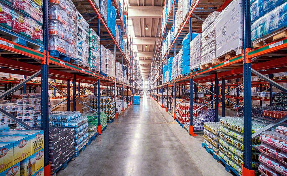 The pallet racking system offers a storage capacity of more than 14,400 pallets and direct access to products