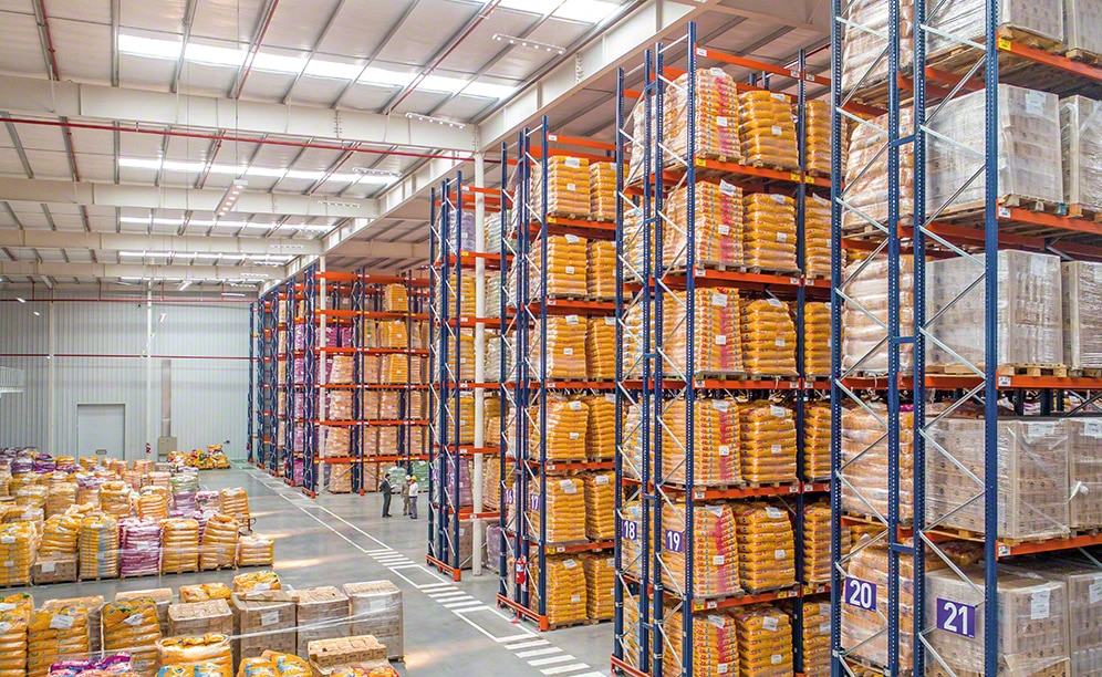 Mecalux has supplied the pallet rack system in two new warehouses Qbox has constructed in its Argentinian logistics centre
