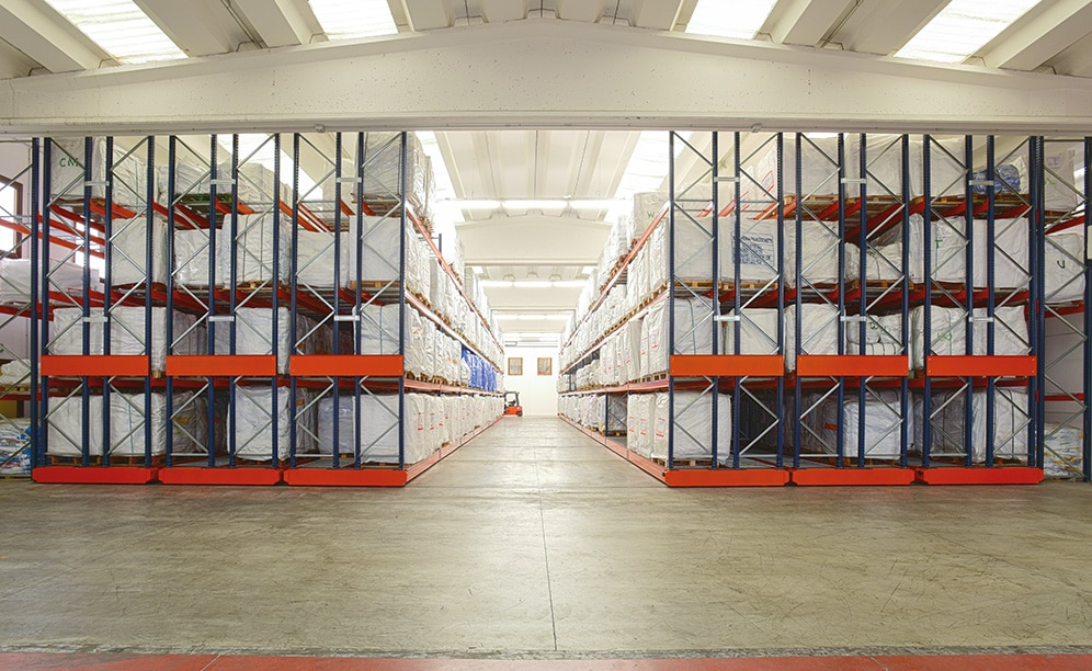 Saccheria F.lli Franceschetti has opted for Movirack mobile racking by Mecalux to store over 1,500 pallets