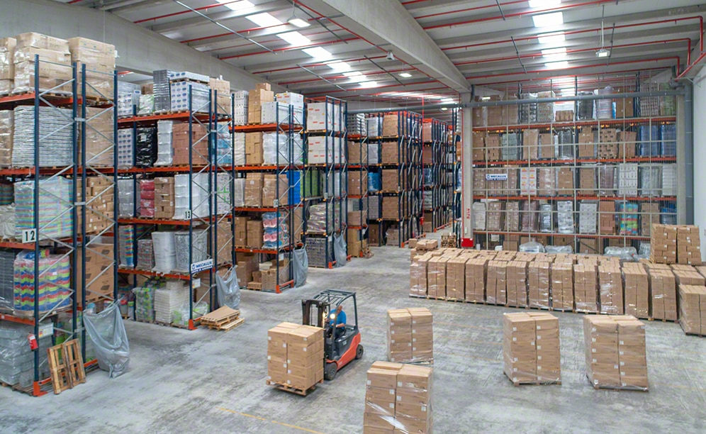 Four storage solutions offer a 23,480 pallet capacity