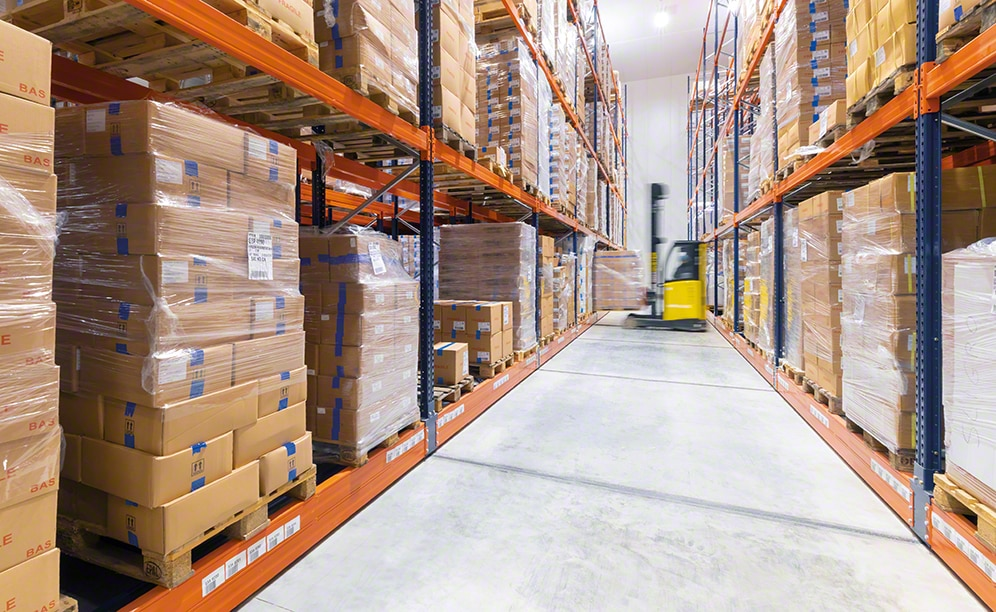 Frozen storage warehouse of Sabarot with Movirack mobile pallet racking