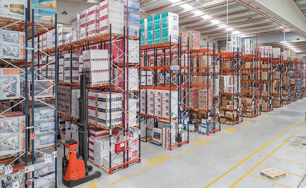 Home appliance logistics warehouse with pallet racks