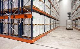 With mobile bases, direct access is maintained to each pallet