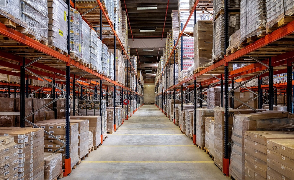 The racks adapt to Dometrans' pallets of varying sizes