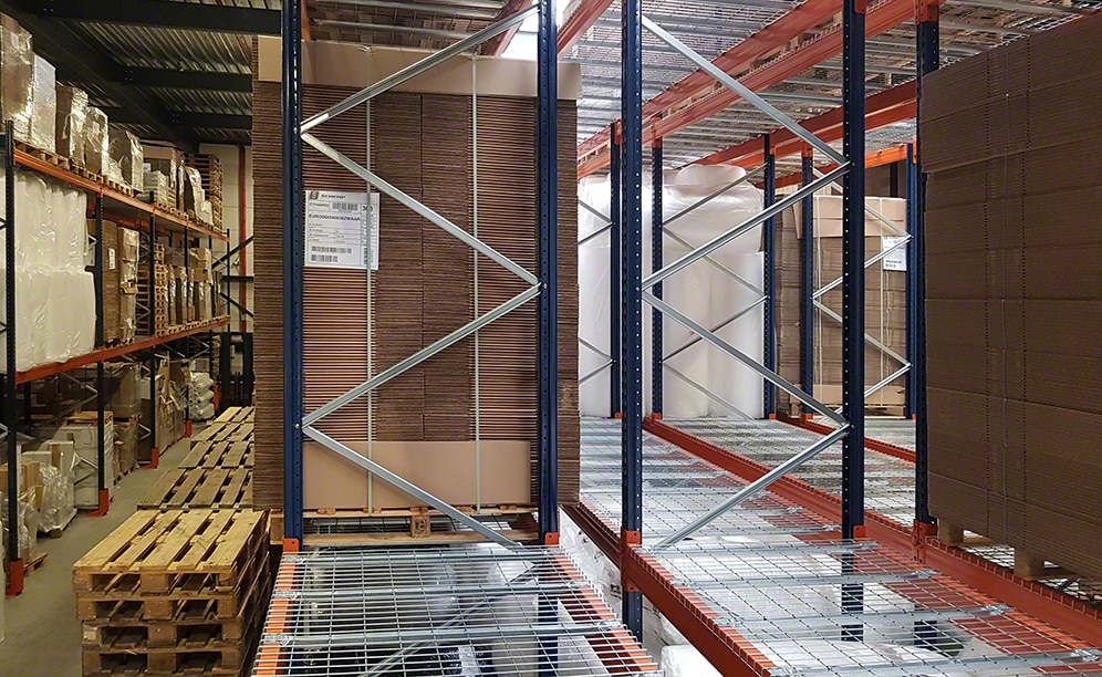 This solution accommodates two pallets of the same SKU in each location