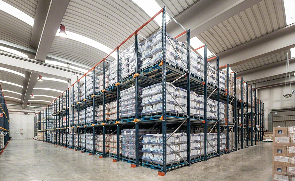The INCASA warehouse in Barcelona with drive-in pallet racking