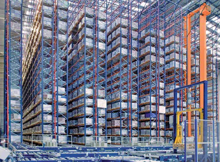 Single-deep racking in a company providing ceramics for construction sector.