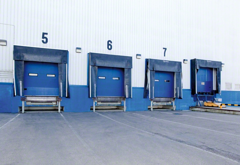 How the loading dock are distributed at a warehouse.