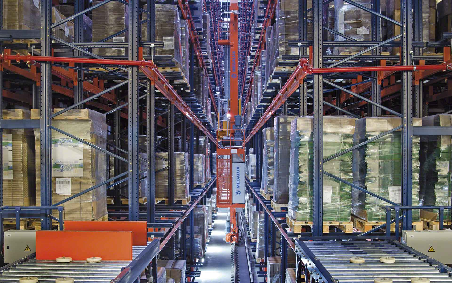 Easy WMS, the warehouse management system by Mecalux, runs WOK's installation