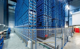 The MGA miniload warehouse can store 15,872 plastic euro-boxes