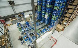 The miniload warehouse consists of two inner aisles, with the possibility of installing a third aisle in a space reserved for future enlargement