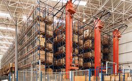 The automated pallet warehouse consists of three aisles with double-deep racks allowing a storage capacity of 2,358 pallets