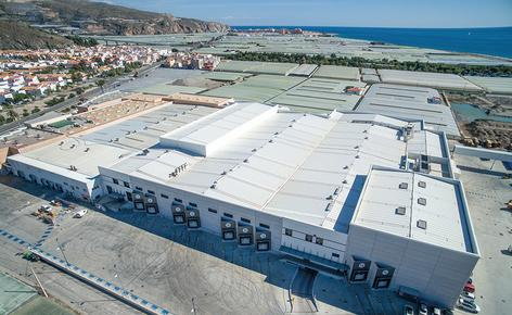 The Granada La Palma cooperative integrates two new large capacity warehouses in their production centre