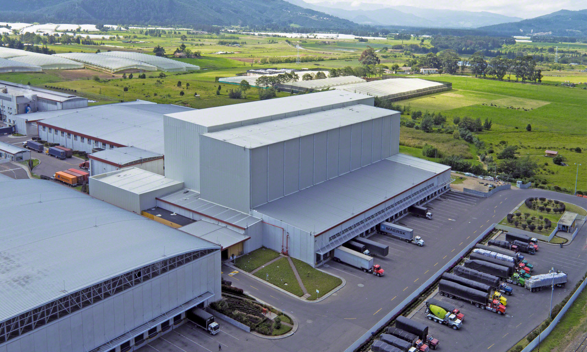 Grupo Familia has a 35 m high automated clad-rack warehouse capable of handling around 17,000 pallets