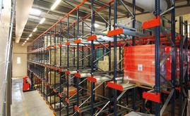 More than 3,000 pallets of 800 x 1,200 mm divided into three zones are housed in the Domaines Paul Mas warehouse