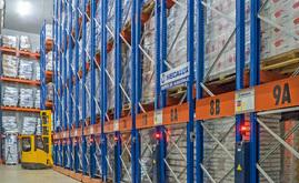 Bajofrío's logistics centre, capable of storing 6,000 pallets, has been divided into two identical 1,000 m² cold storage areas