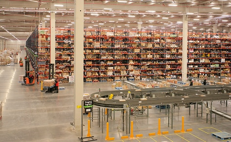 The 70,000 m² logistics centre of the SMU supermarkets strengthens product distribution and turnover