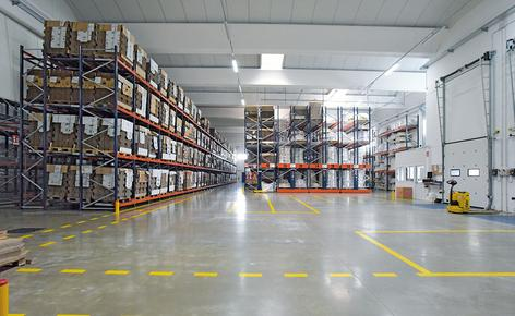 The combination of five storage systems boosts the productivity of a beverages manufacturer