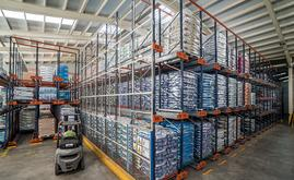 The warehouse has a 1,500 pallet capacity dispersed over 62 channels that are 13, 21 and 23 m deep